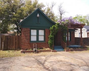 631 S Vine Avenue, Tyler, Texas 75702, 2 Bedrooms Bedrooms, ,1 BathroomBathrooms,House,Occupied Rentals,S Vine Avenue,1,1014